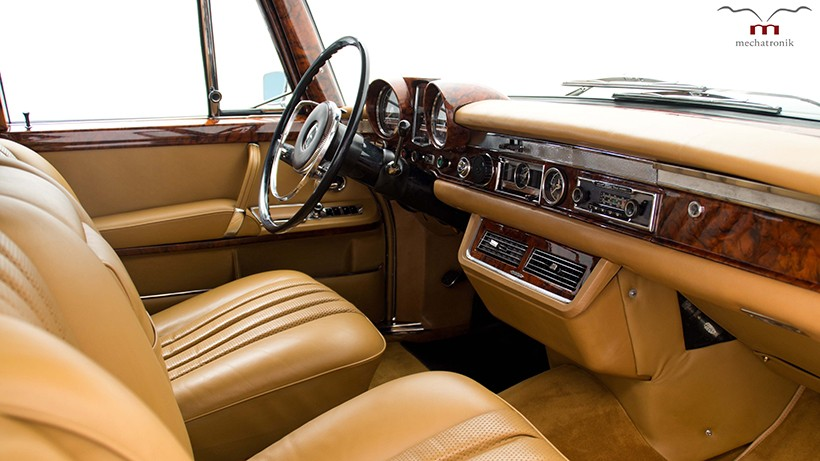 Mercedes benz 600 pullman landaulet used by the queen up for Mercedes benz royale 600 price