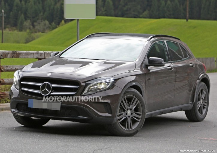 2020 mercedes benz glb is merc s new compact suv crossover for Mercedes benz cross over