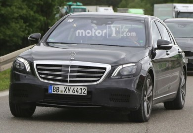 Facelifted Mercedes-Benz S-Class Caught On Cam