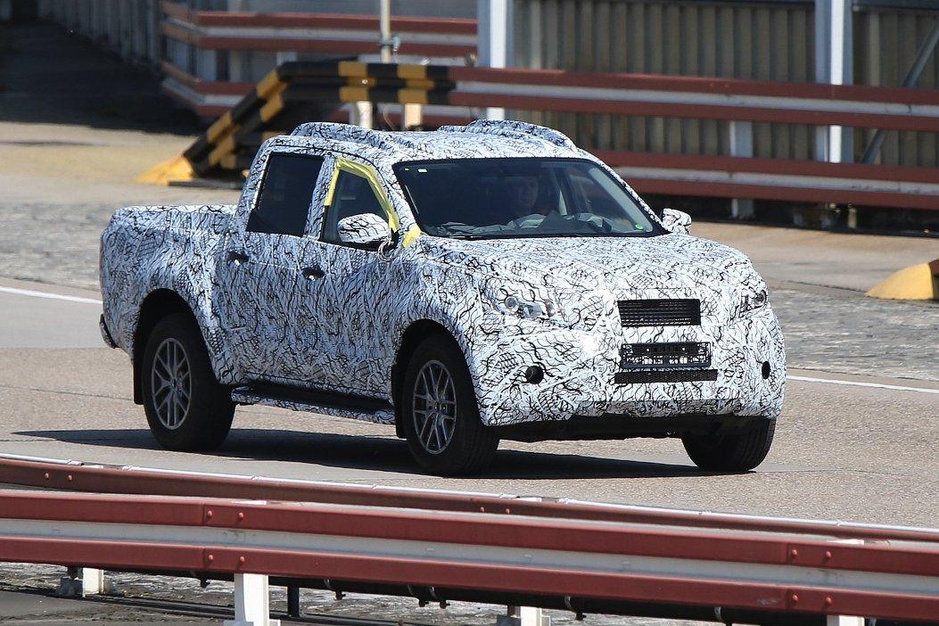 Upcoming Mercedes-Benz GLT Caught On Camera