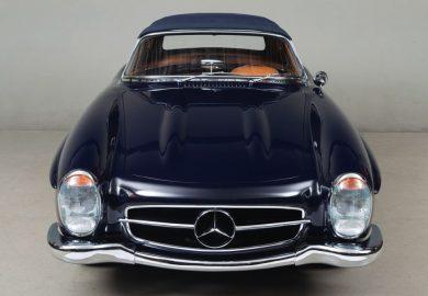 Restored 1961 Mercedes-Benz 300 SL Looks Impressive