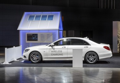 S550e Plug-In Hybrid wireless charging (1)