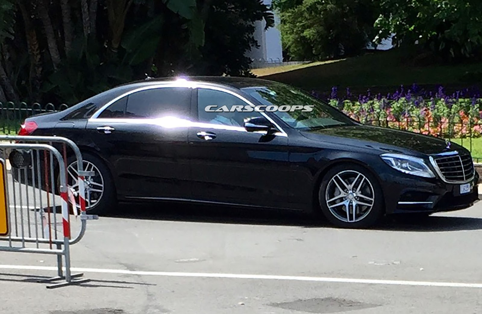 2017 mercedes benz s class spied without camouflage. Black Bedroom Furniture Sets. Home Design Ideas