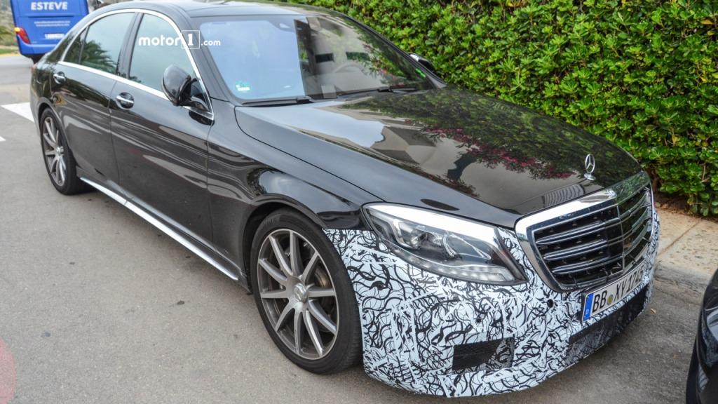 Spy Shots of Mercedes-AMG S63 Sedan Facelift Emerge