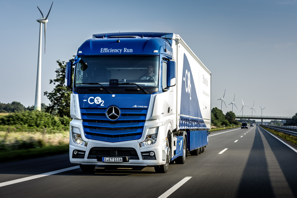 Mercedes benz trucks krone develop highly efficient for Mercedes benz trucks