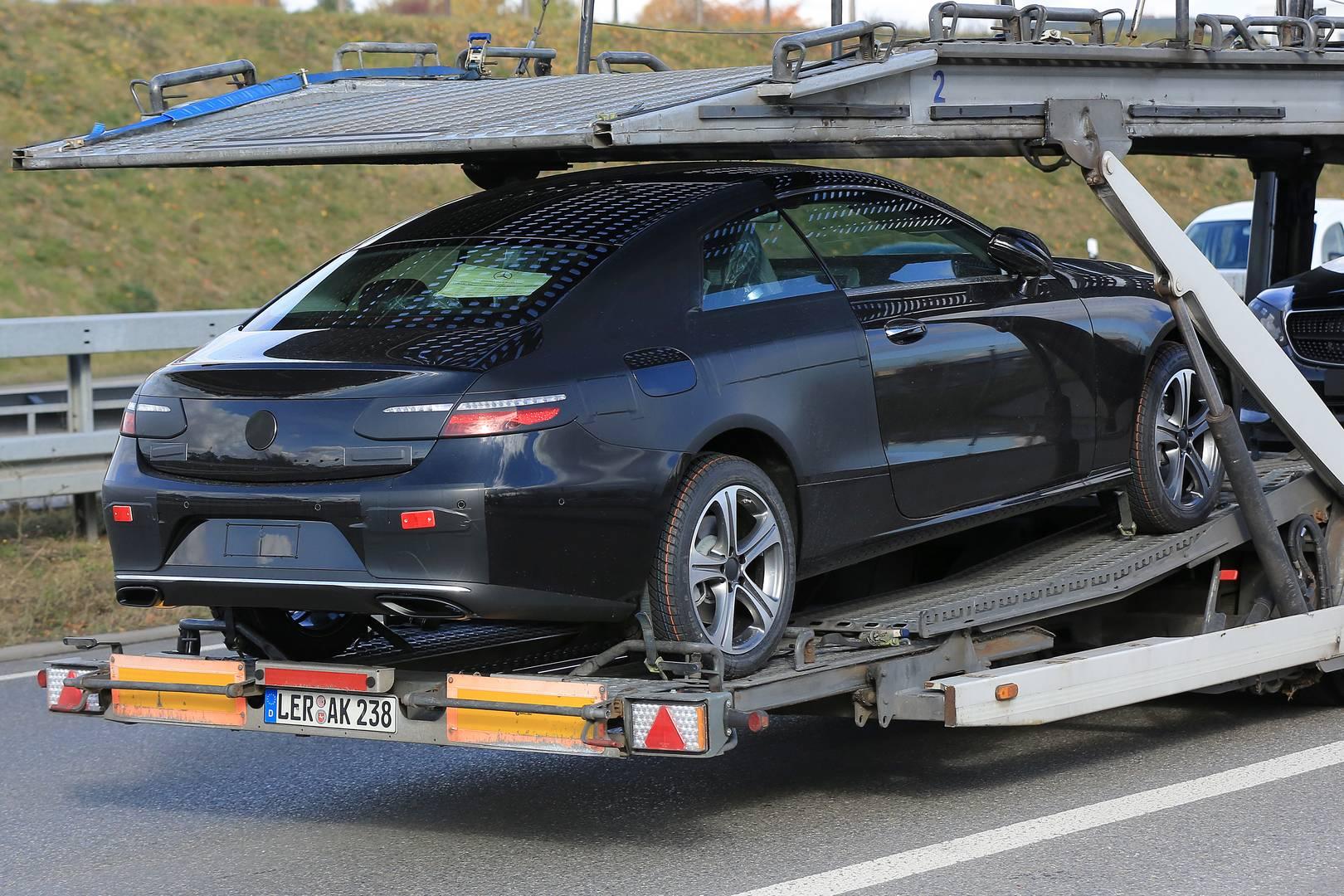 Spy Shots Reveal the 2018 MercedesBenz EClass Coupe