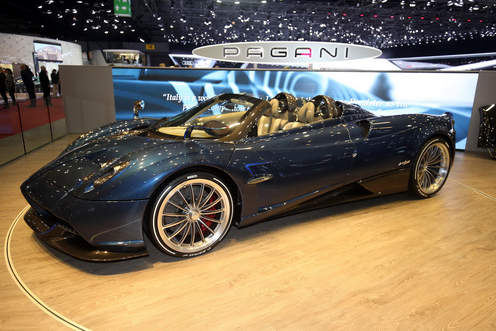 pagani huayra roadster makes its world premiere in geneva. Black Bedroom Furniture Sets. Home Design Ideas