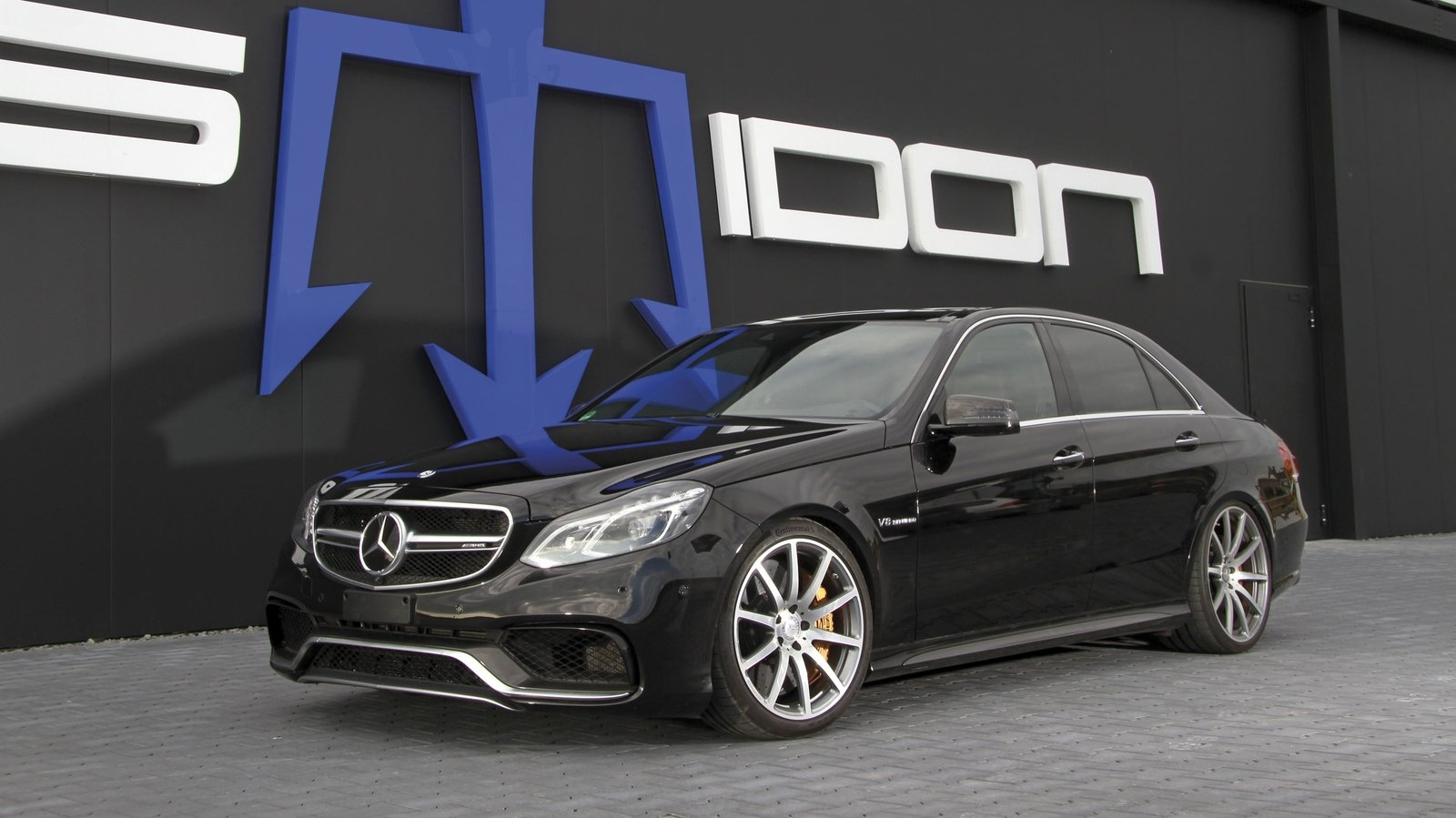 posaidon gives the 2017 mercedes amg e63 s 1 090 hp. Black Bedroom Furniture Sets. Home Design Ideas