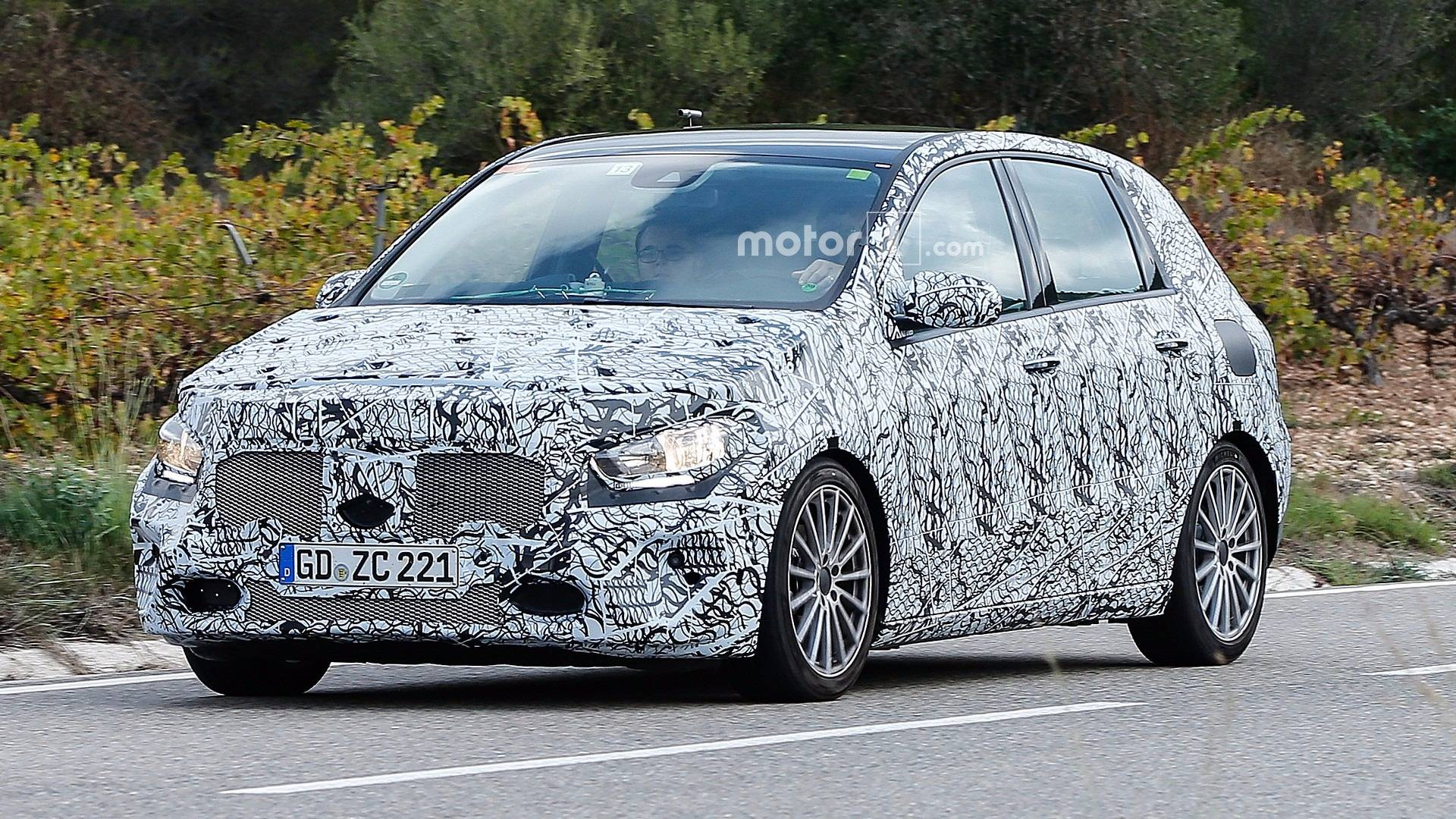 Redesigned mercedes benz b class spied in action for Mercedes benz b class