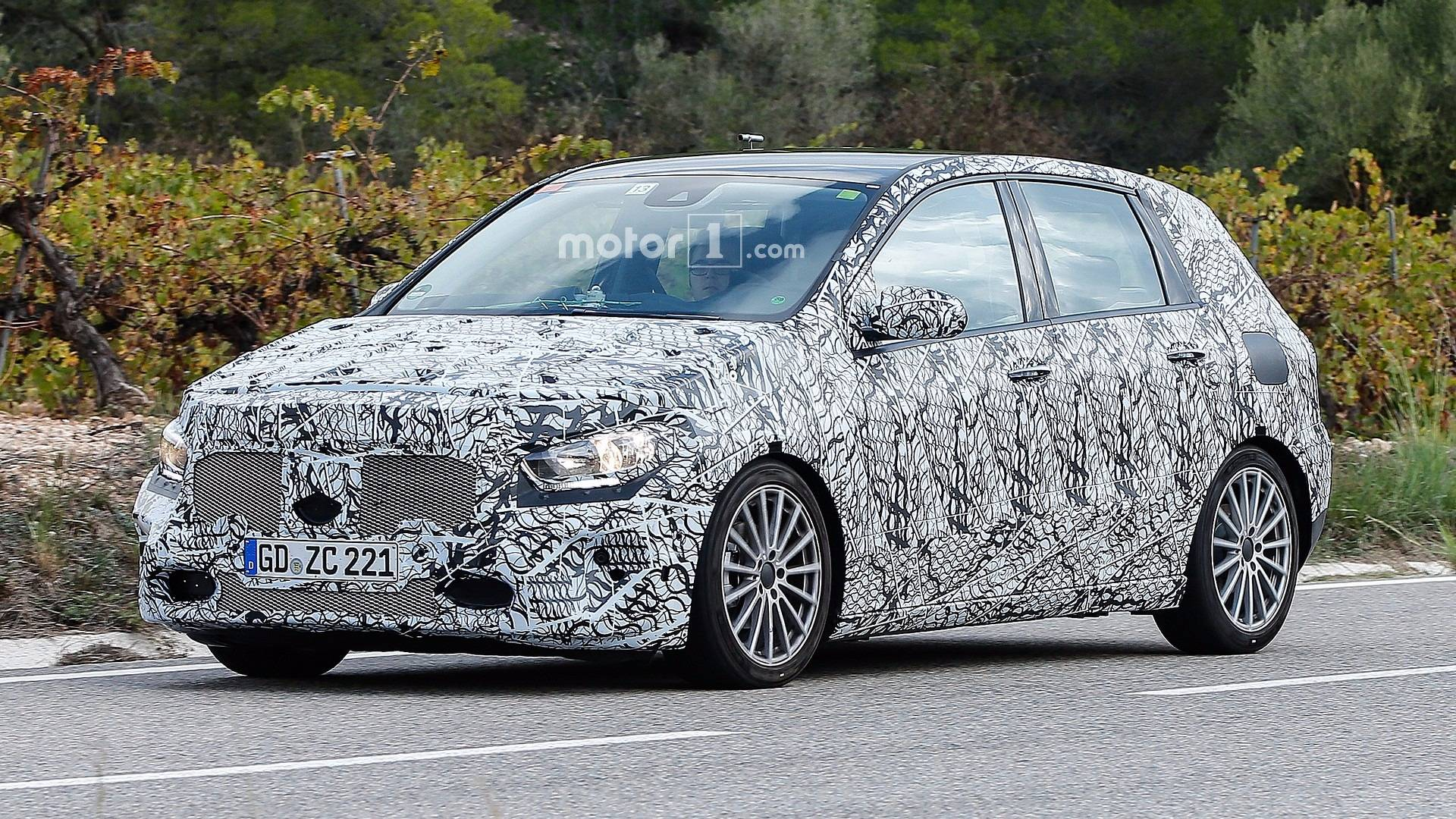 redesigned mercedes benz b class spied in action. Black Bedroom Furniture Sets. Home Design Ideas