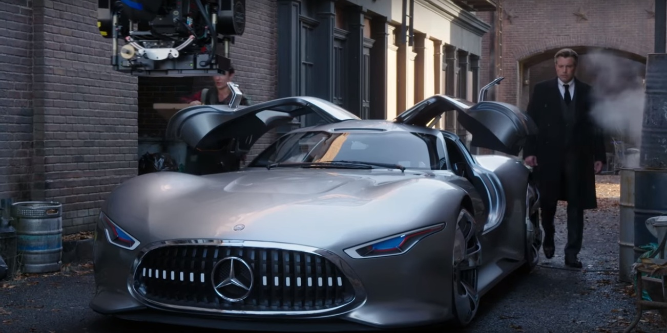 mercedes benz amg vision gran turismo featured in justice league movie. Black Bedroom Furniture Sets. Home Design Ideas