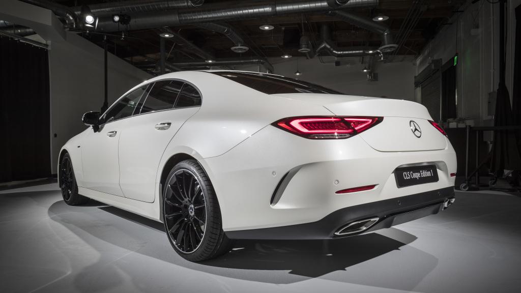 Top 4 mercedes benz cars showcased at the la auto show for Mercedes benz car show