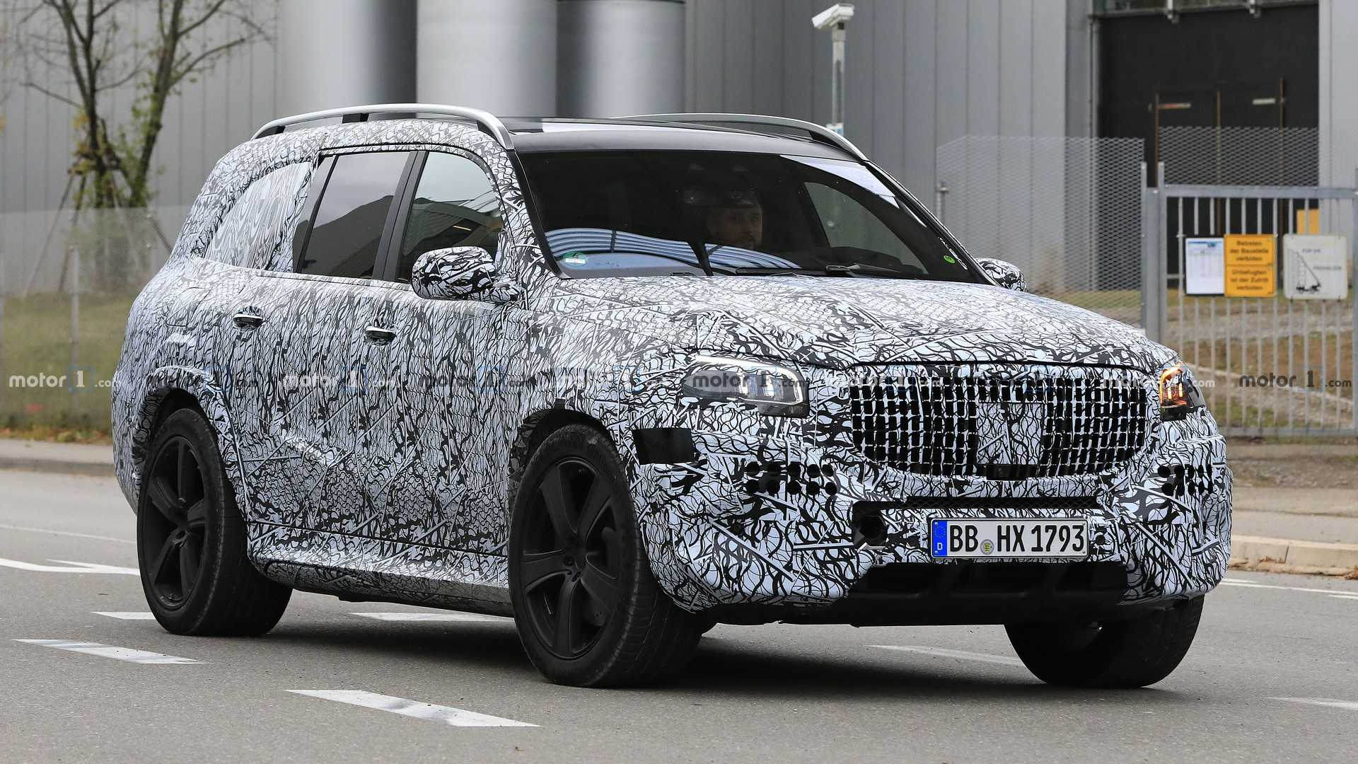 2020 Mercedes-Maybach GLS Spied on the Road