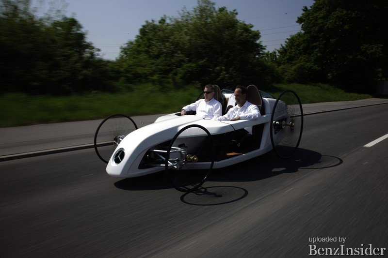 Mercedes-Benz_Daimler AG trainees build an F-CELL Roadster Bertha Benz_04