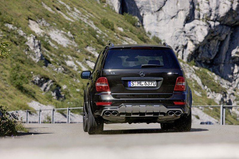 Mercedes-Benz_ML 63 AMG performance_studio07